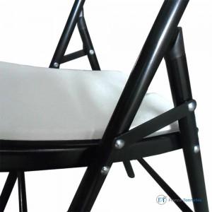 chaise blanche pour réception